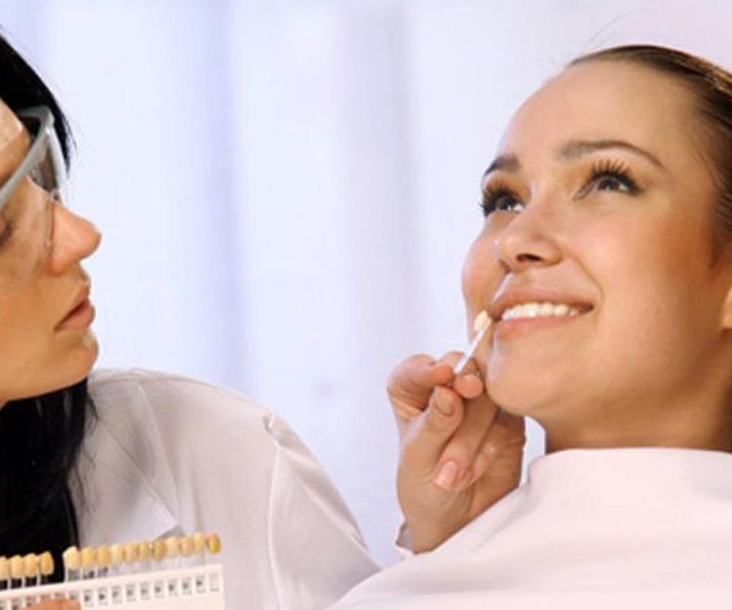 ¿Carillas o fundas dentales? ¿Qué tratamiento me conviene más?
