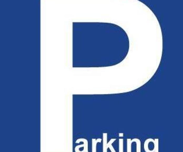 Parking propio: Servicios de Auto Rent