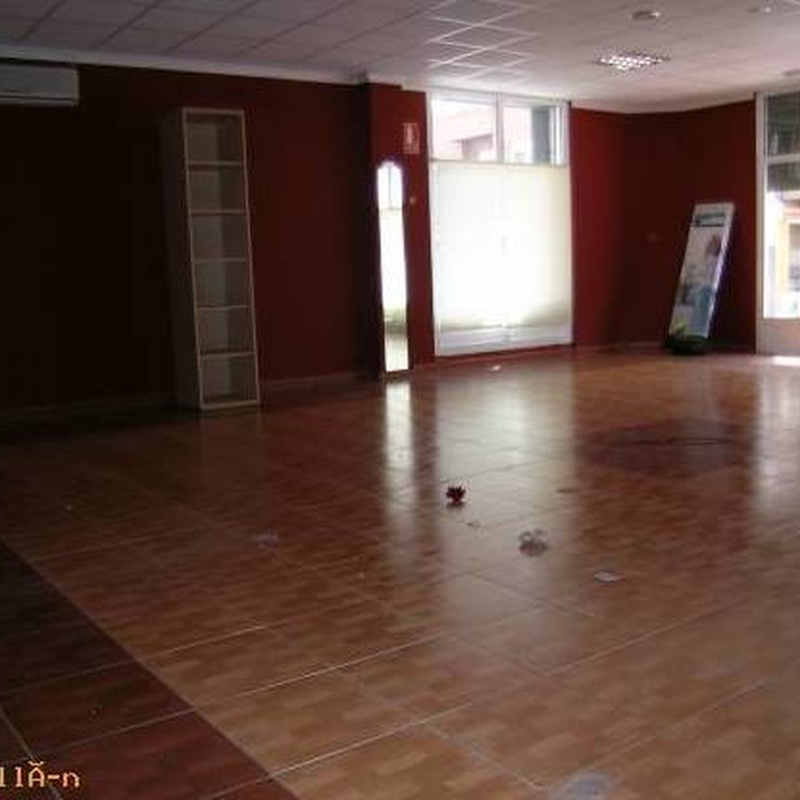 Local en alquiler: Compra y alquiler de Servicasa Servicios Inmobiliarios