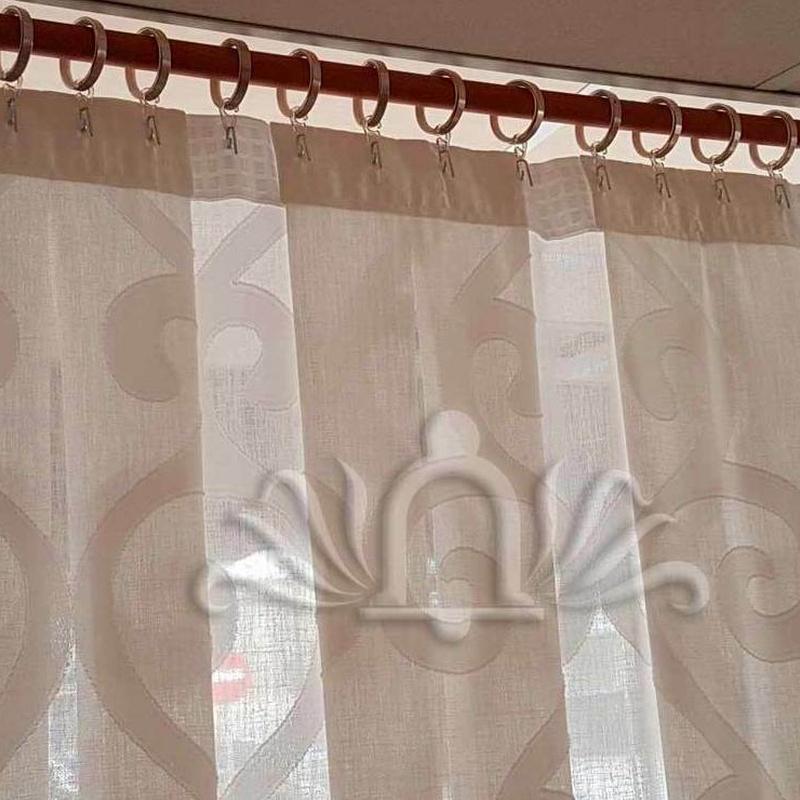 Cortina confeccionada con tablon ancho