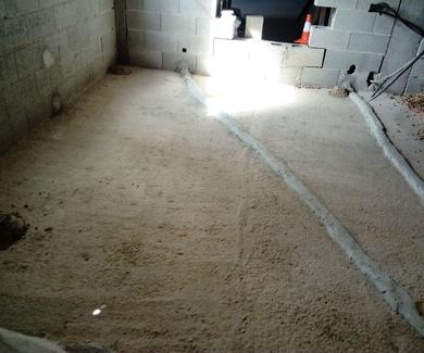 nuevo suelo de hormigon en casa de nueva construccion
