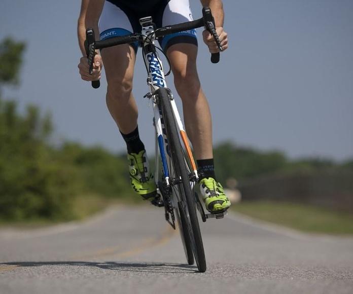 Tres ciclistas muertos y once heridos en varios accidentes en el fin de semana