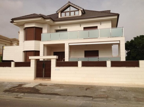 Puertas y ventanas de PVC en Cartagena