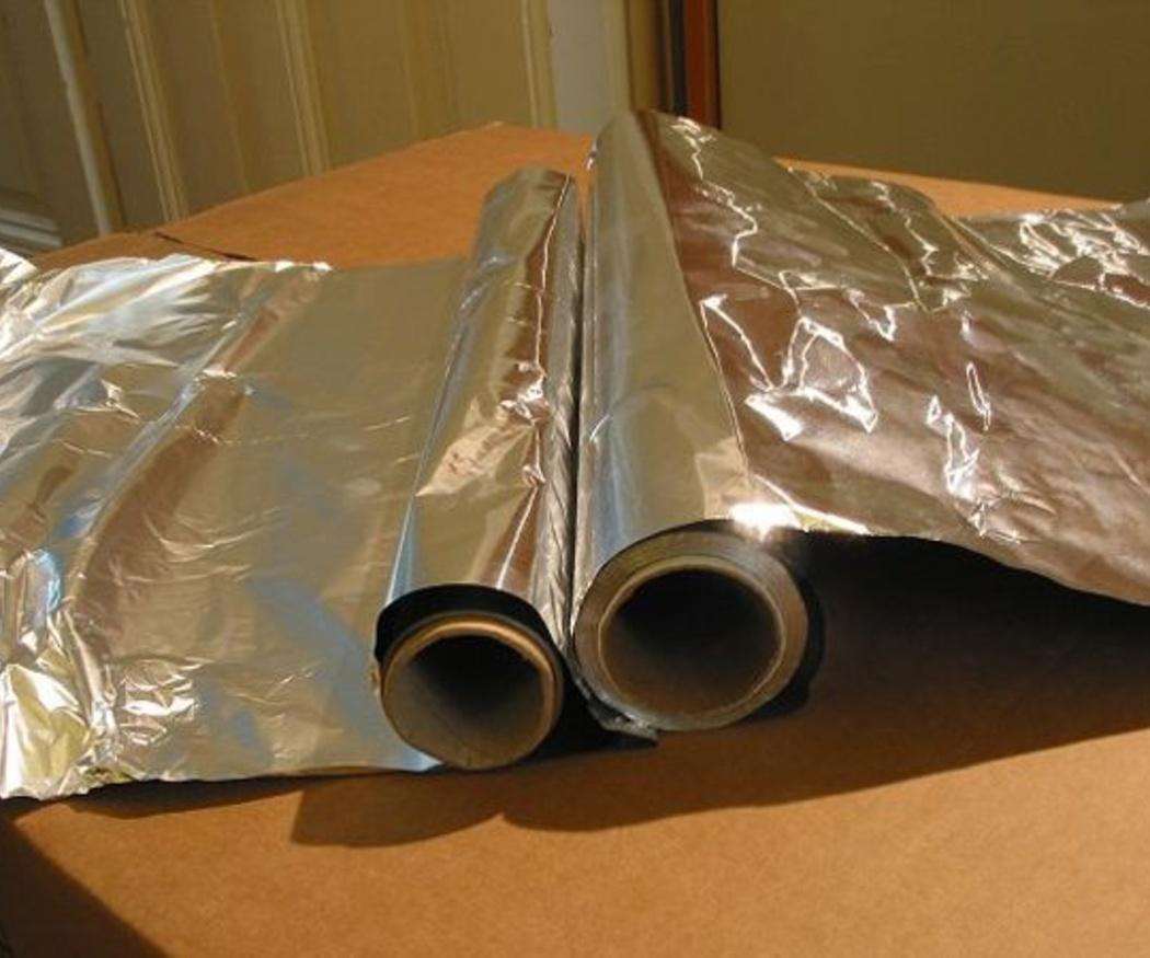 ¿Sabes en qué contenedor va el papel de aluminio?
