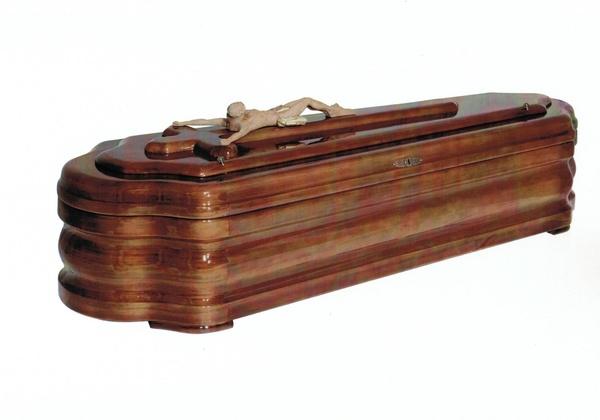 Arcón de madera, modelo egipcio. Fabricado en España.
