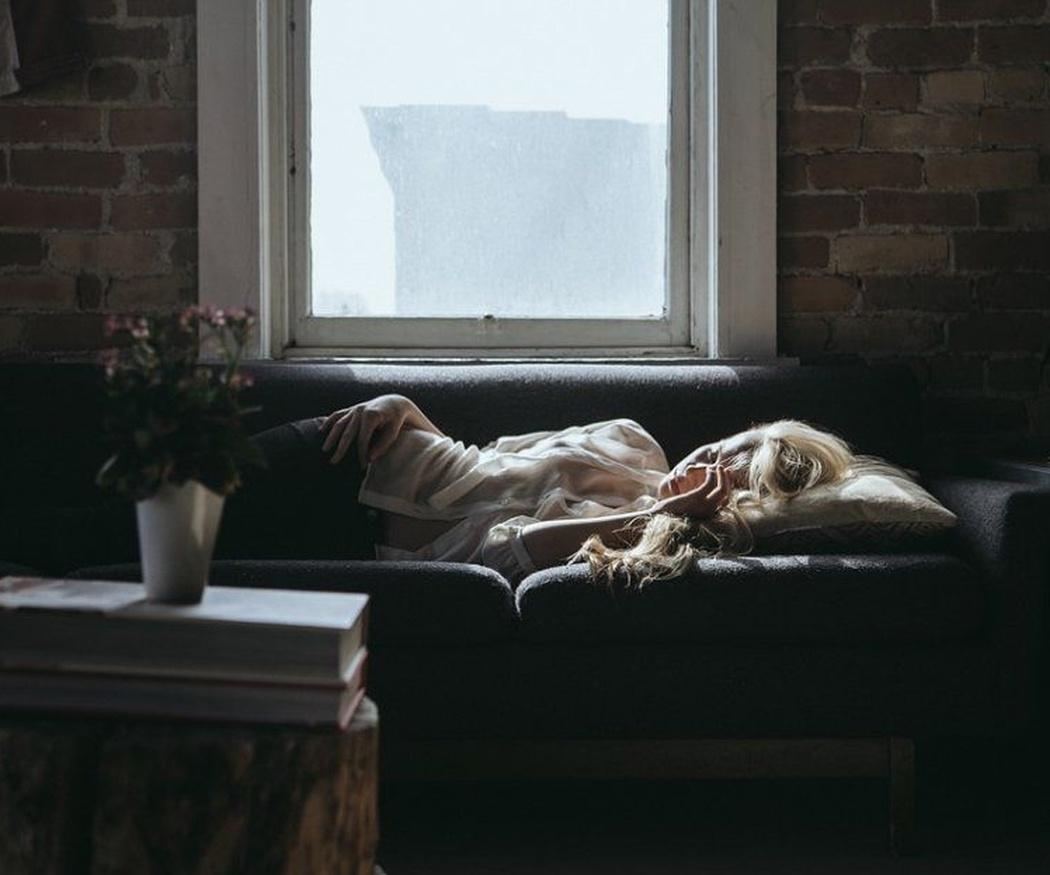 Ventajas e inconvenientes de optar por el sofá cama