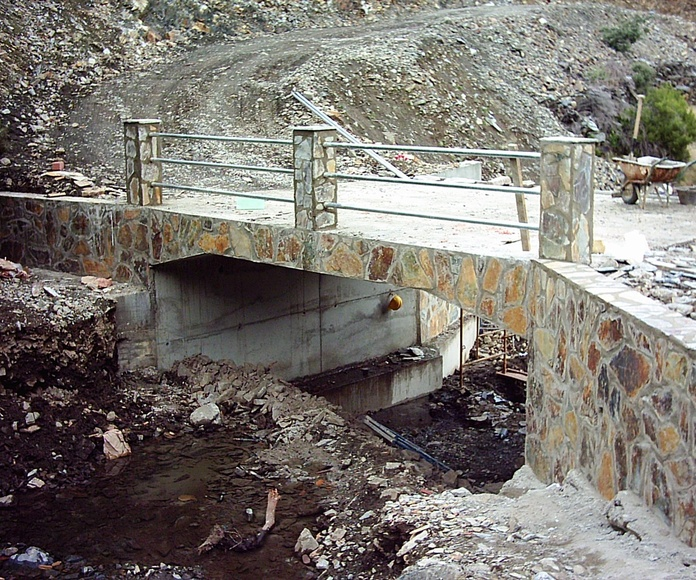 Obras públicas: Servicios de Excavaciones y Transportes El Guerra