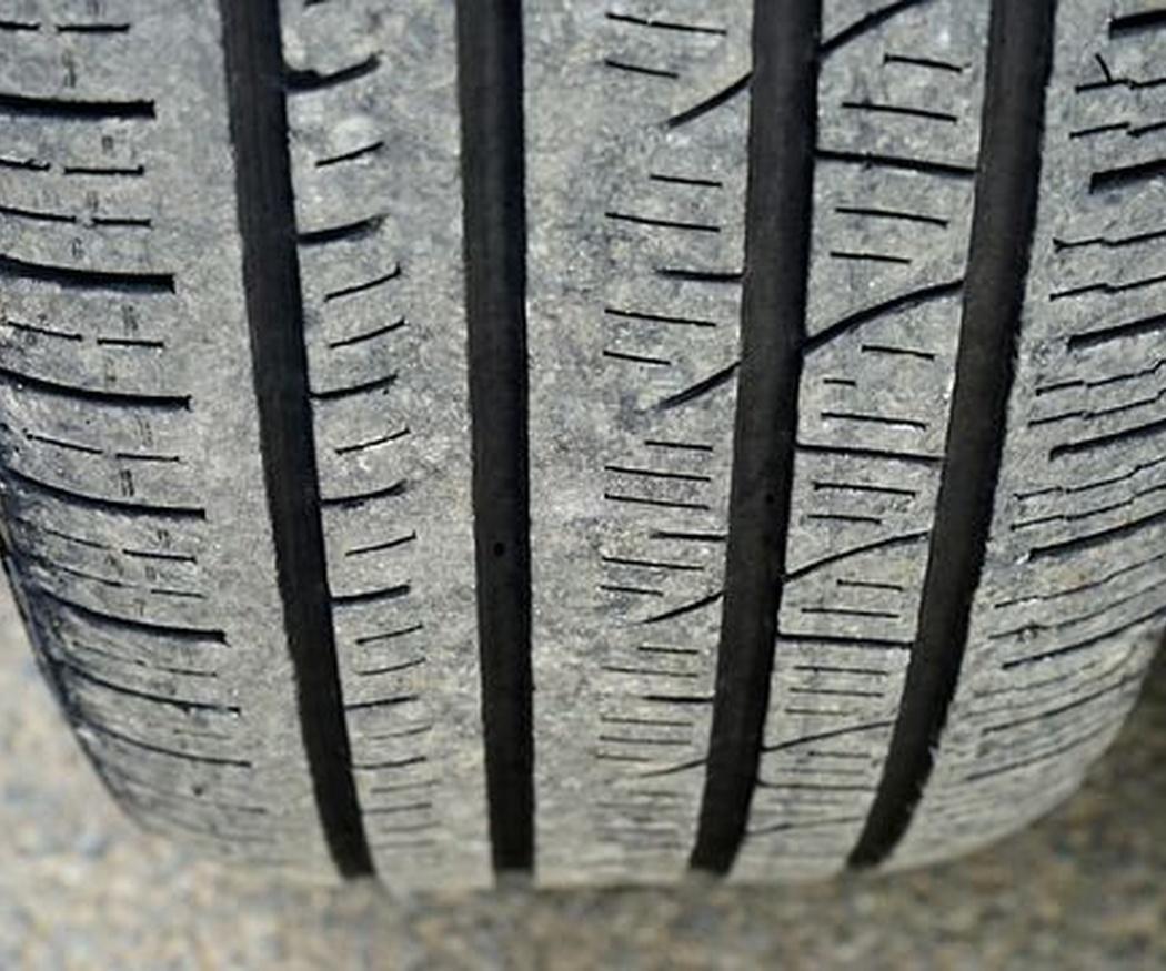 ¿Hay que cambiar los cuatro neumáticos a la vez?