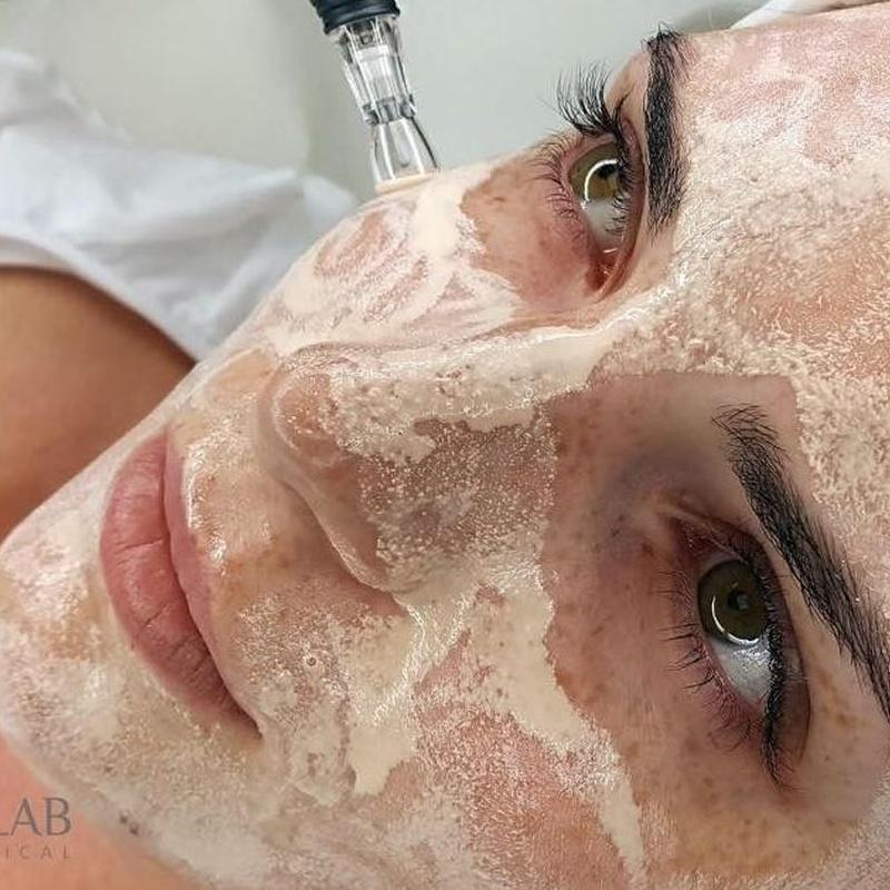 BB Glow Facial: Efecto MAKE UP: Servicios de Divinity Body Nails