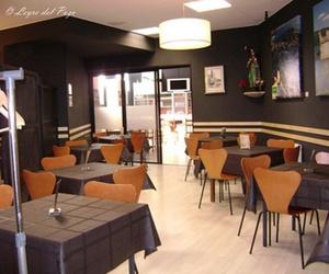 Restaurante con carta y menú diario