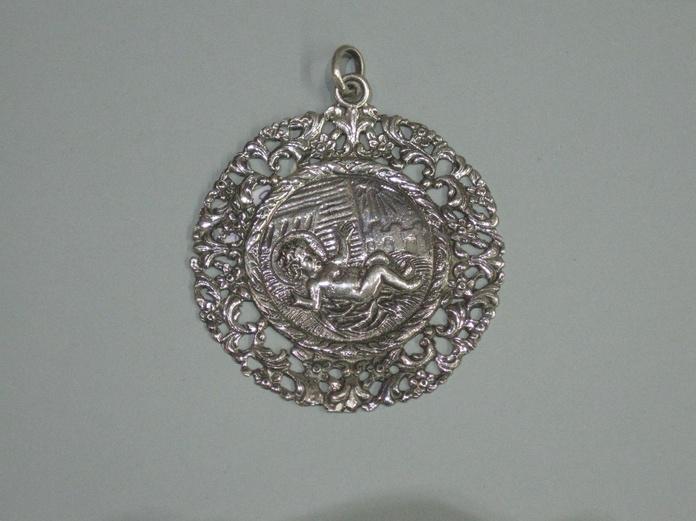 MEDALLA CUNA CALADA NIÑO LAS PAJAS: Catalogo de plata de Vera Orfebre