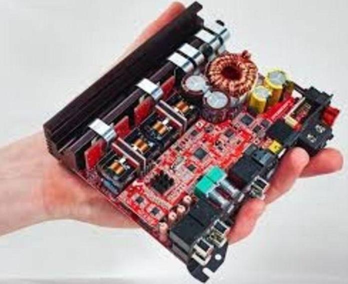Amplificador MOSCONI clase d con procesador de sonido