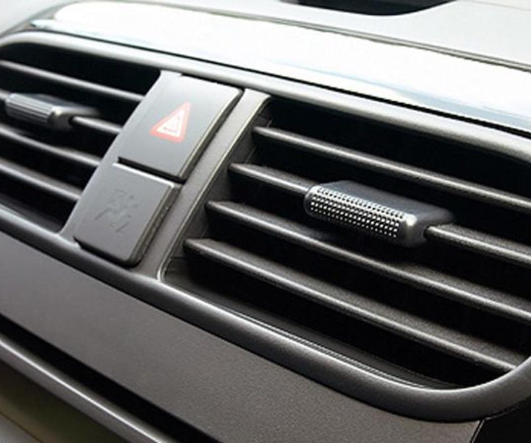 ¿Sabes cómo ahorrar aire acondicionado en el coche?