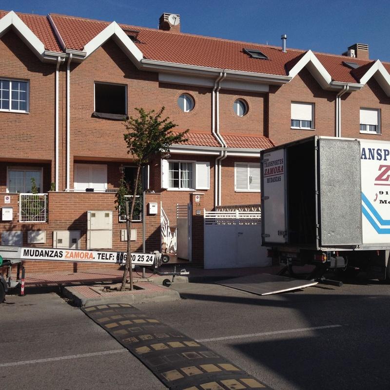 Mudanzas y Transportes urgentes 24 horas en Alcala: Servicios de Mudanzas Zamora