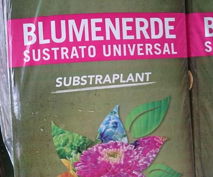 SUSTRATO UNIVERSAL 70L, 50L, 20L.Mezcla de turbas,coco,compost orgánico con alto contenido en sustancias nutritivas.