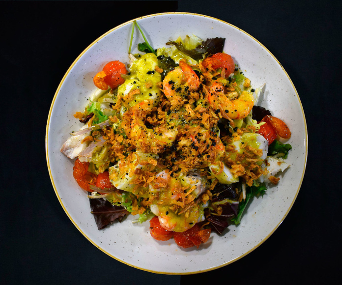 Ensalada de rape y langostino con pesto de cilantro