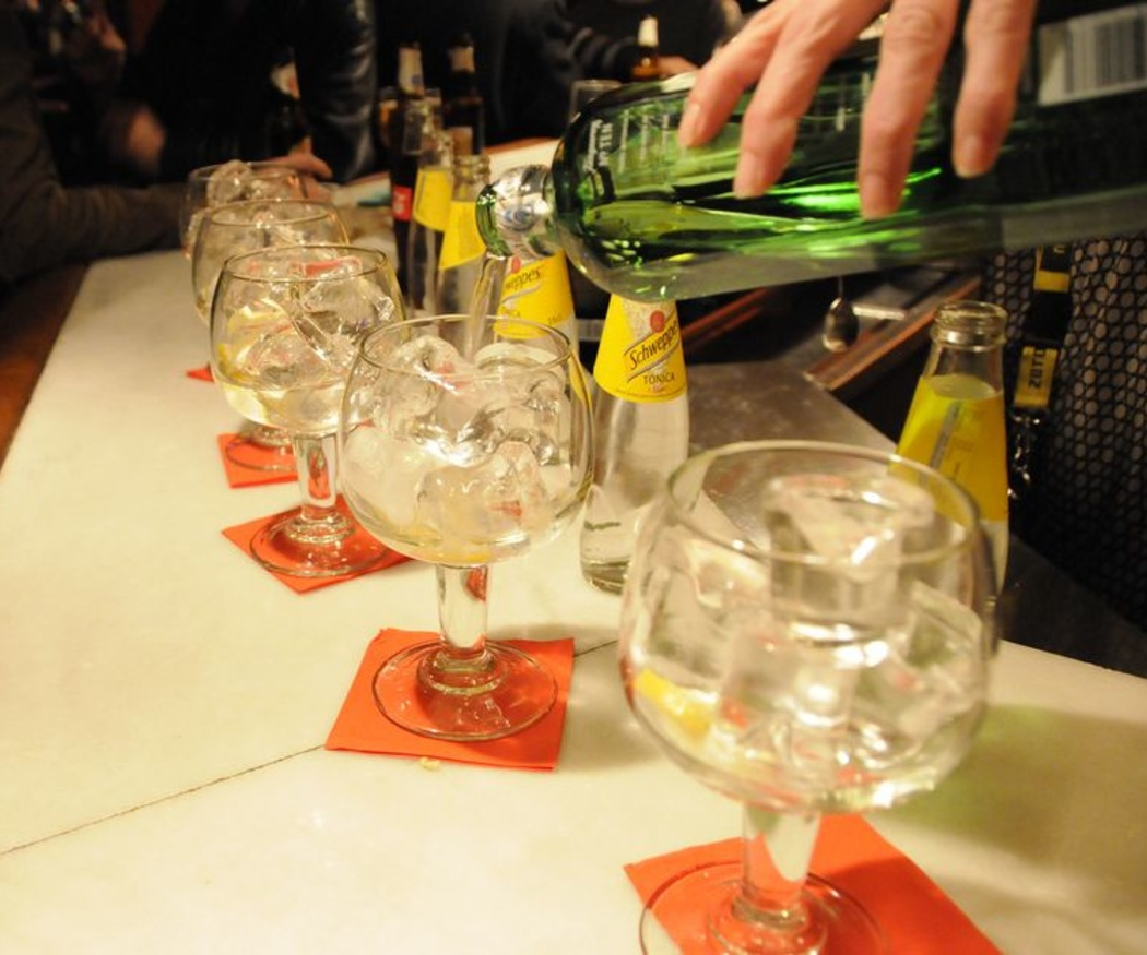 ¿Por qué se toman los gin-tónics en copas de balón?