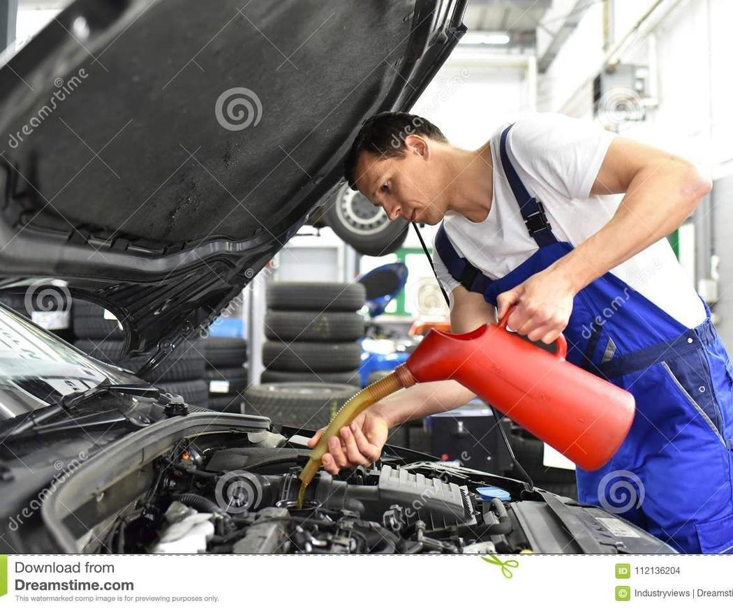 ¿Por qué es importante cambiar el aceite del coche?