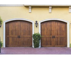 Puertas exteriores de madera en Guipúzcoa