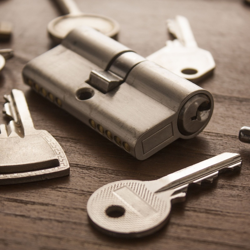 Cerrajería: Productos y servicios de Ferretería Nuria