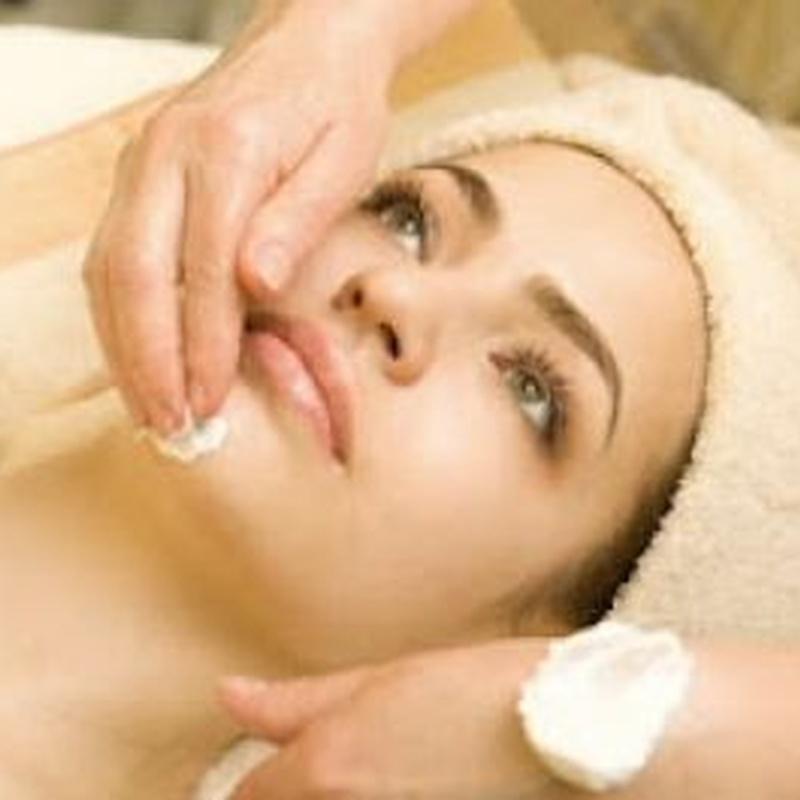 Limpieza de cutis básica personalizada: Tratamientos de Rosana Montiano - Salón de Belleza