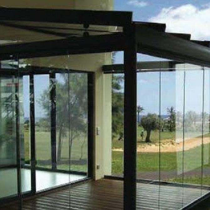 Ventajas de la instalación de cortinas de cristal