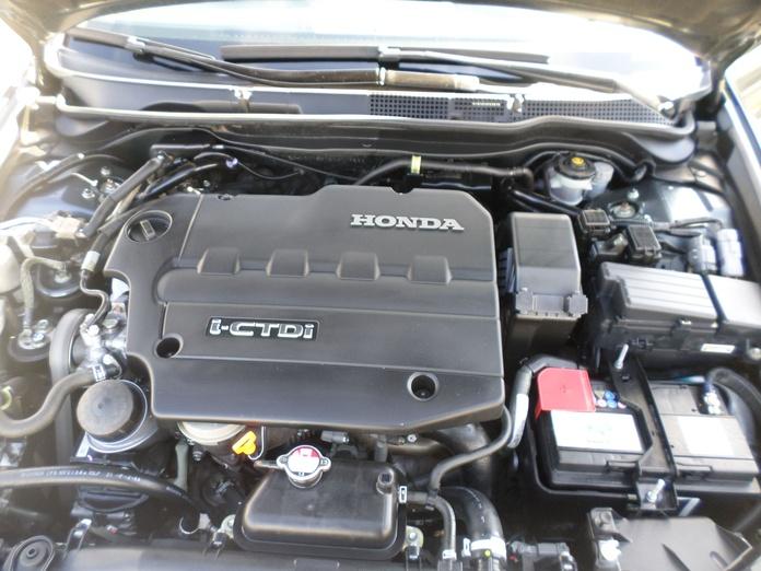 Mecánica del automóvil , Revisiones de 120 puntos y cambios de Neumaticos : Servicios de reparación  de Automóviles y Talleres Dorado