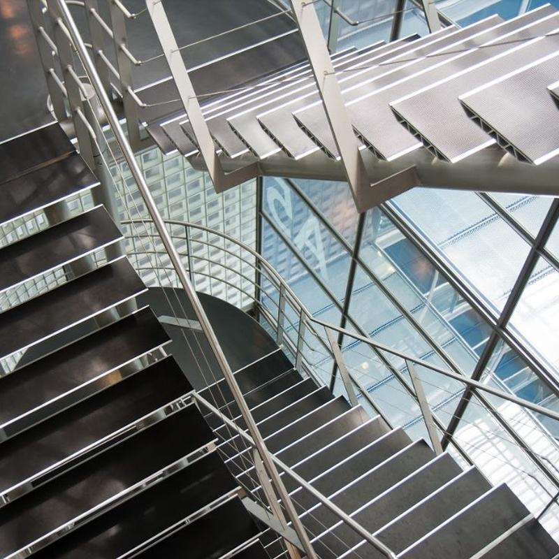 Escaleras: Servicios de JUMA