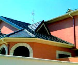 Canalon de alumnio en dos colores en vivienda unifamiliar