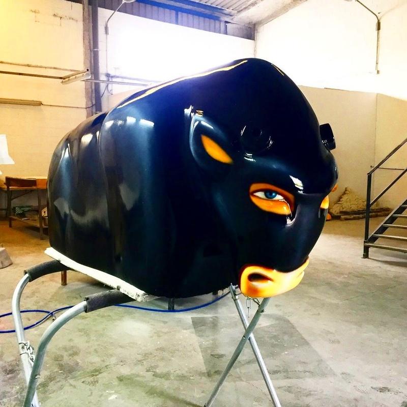 Restauración Fibra Toro: Catálogo de Hinchables Happy Jump