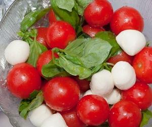 1/2 mozzarela tomate