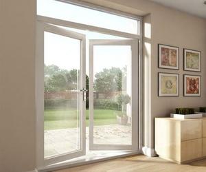 Puertas en aluminio para interiores y exteriores