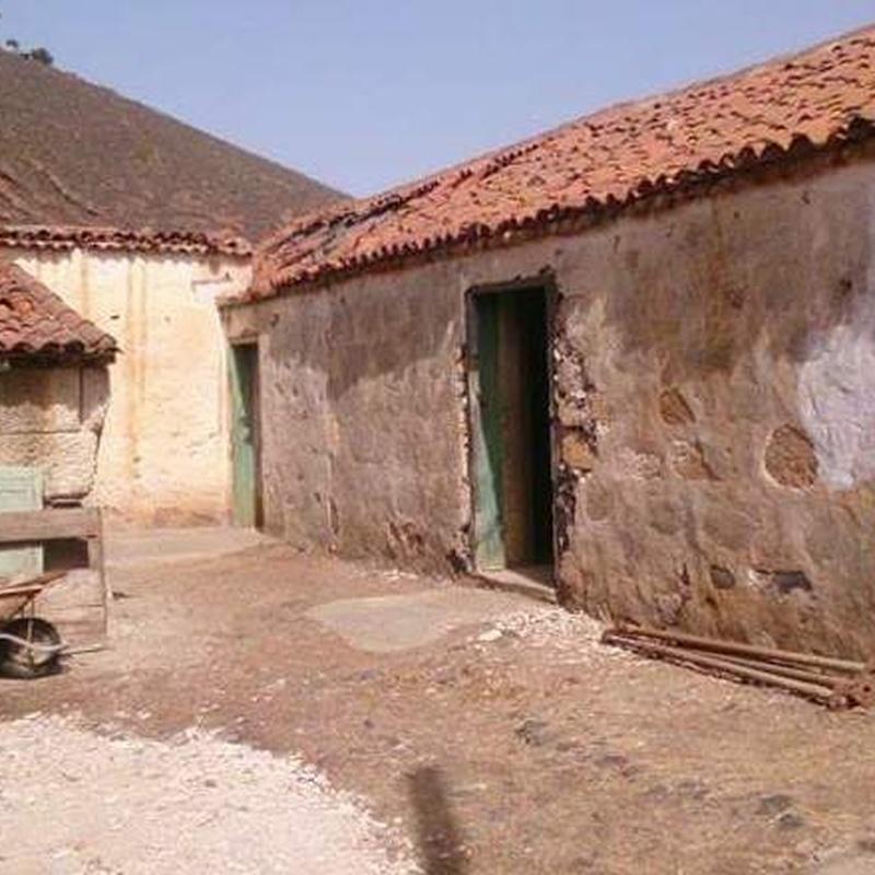 Casa Canaria, a reformar de una planta en Charco del Pino, Granadilla : Compra y venta de inmuebles de Tenerife Investment Properties