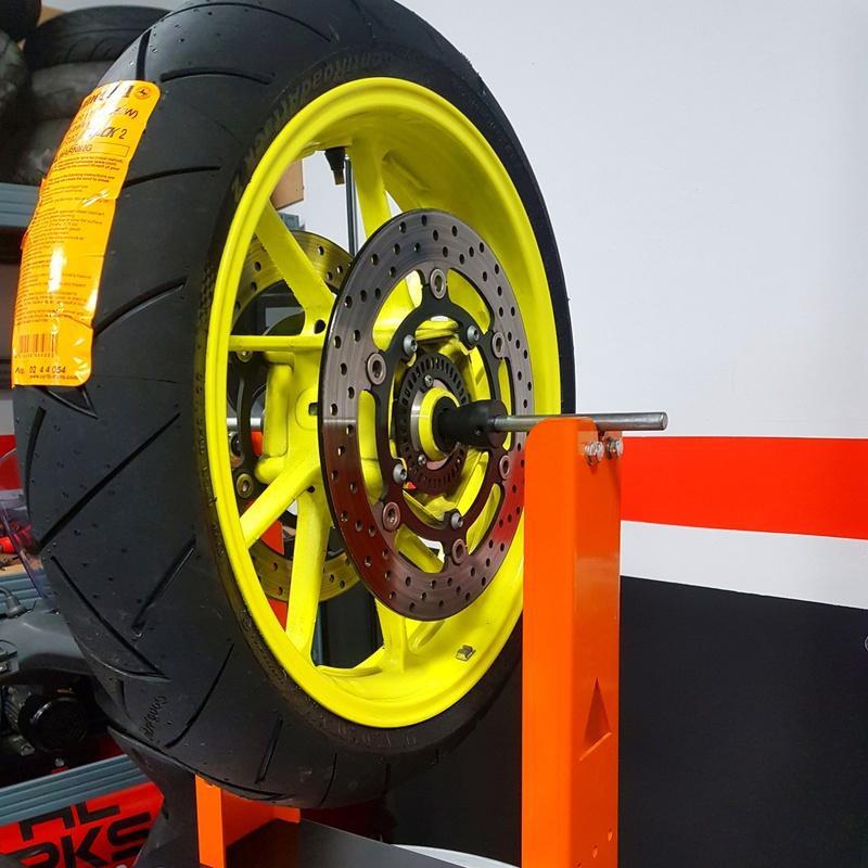 Cambio de Neumáticos: Servicios de Motos Iluro