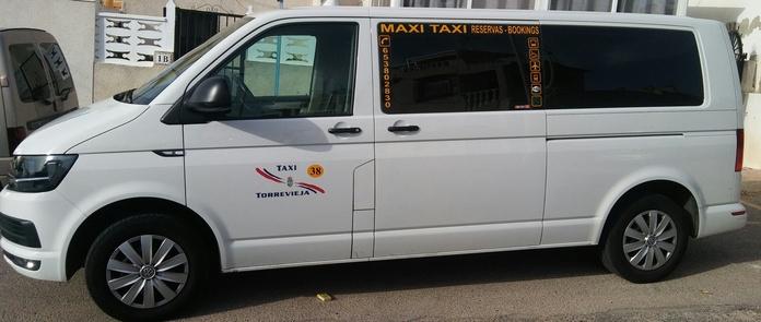 Taxi con ochos plazas: Prestaciones de Taxi Julio Torrevieja