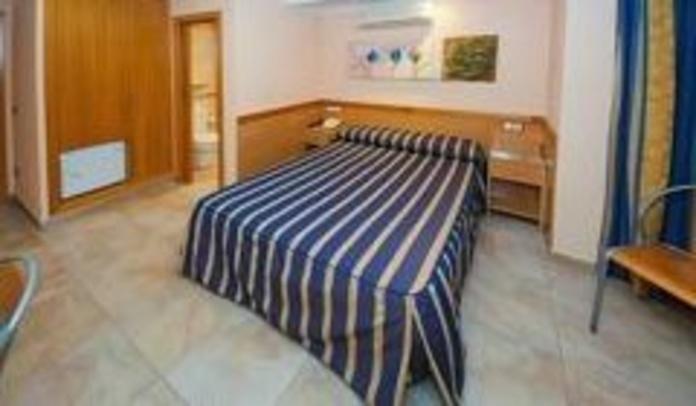 Habitación doble y twin: servicios de Hostal Viky