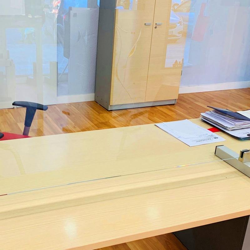 Mampara proteccion recta vidrio laminado