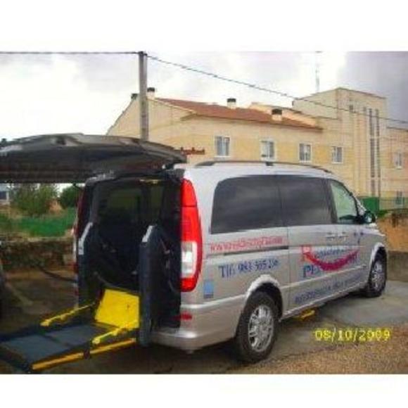 Vehículo de transporte adaptados: Servicios de Residencia Peñaflor