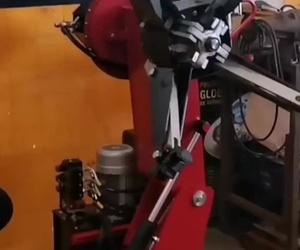 Desmontadora de ruedas camion