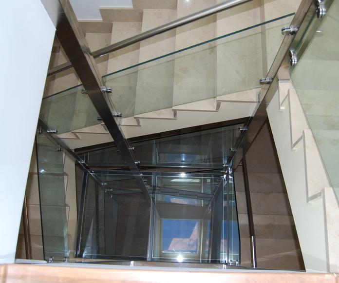 Barandillas y suelo de cristal