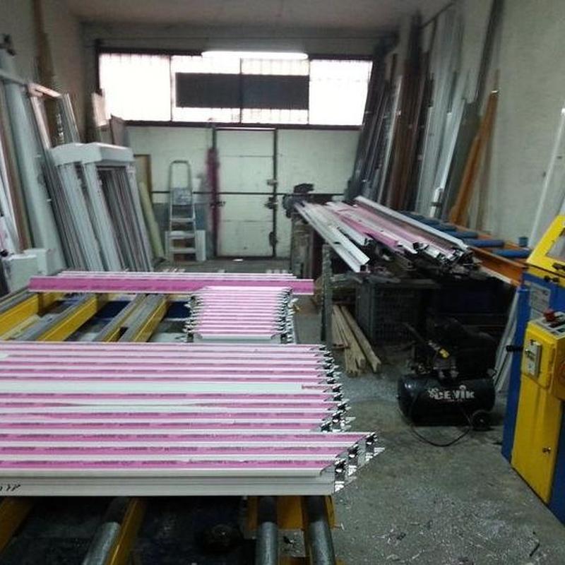 Acabados: Productos y Servicios  de Carpintería de Aluminio Pérez Gallego