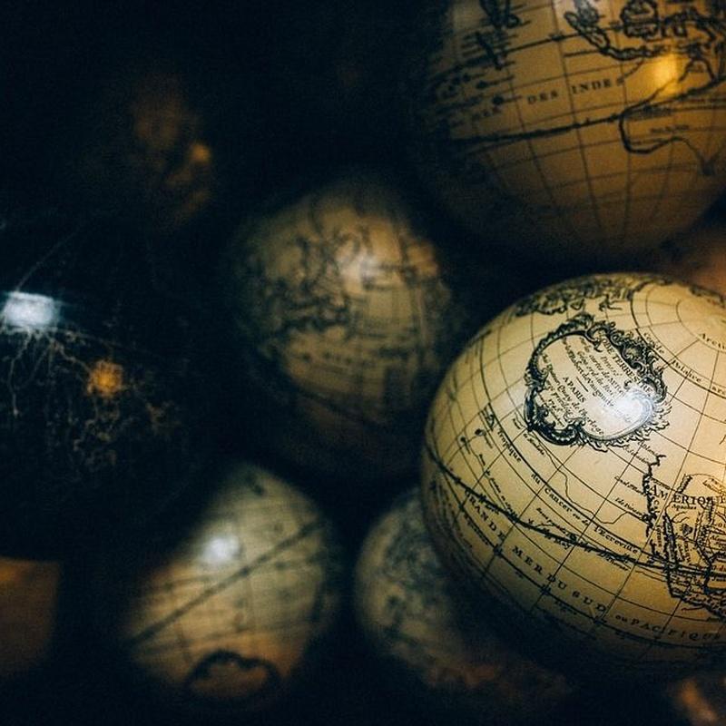 Geografía e Historia: Especialidades de Academia 21 Oposiciones