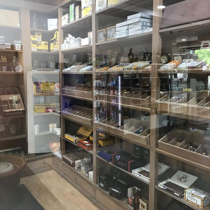 Cava de puros: Productos de Expendiduría Número 19