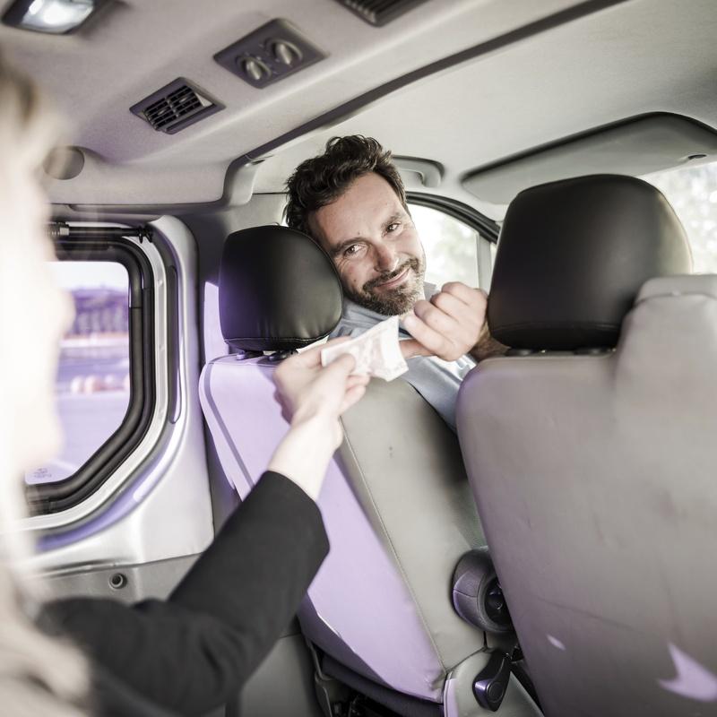 Desplazamientos regionales: Servicios de Taxis Donato
