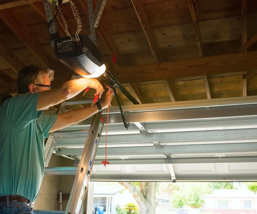 Consejos para el mantenimiento de las puertas metálicas de garaje