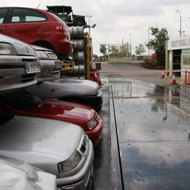 Admisión y descontaminación de vehículos fuera de uso: Servicios de Font Grau, S.L.