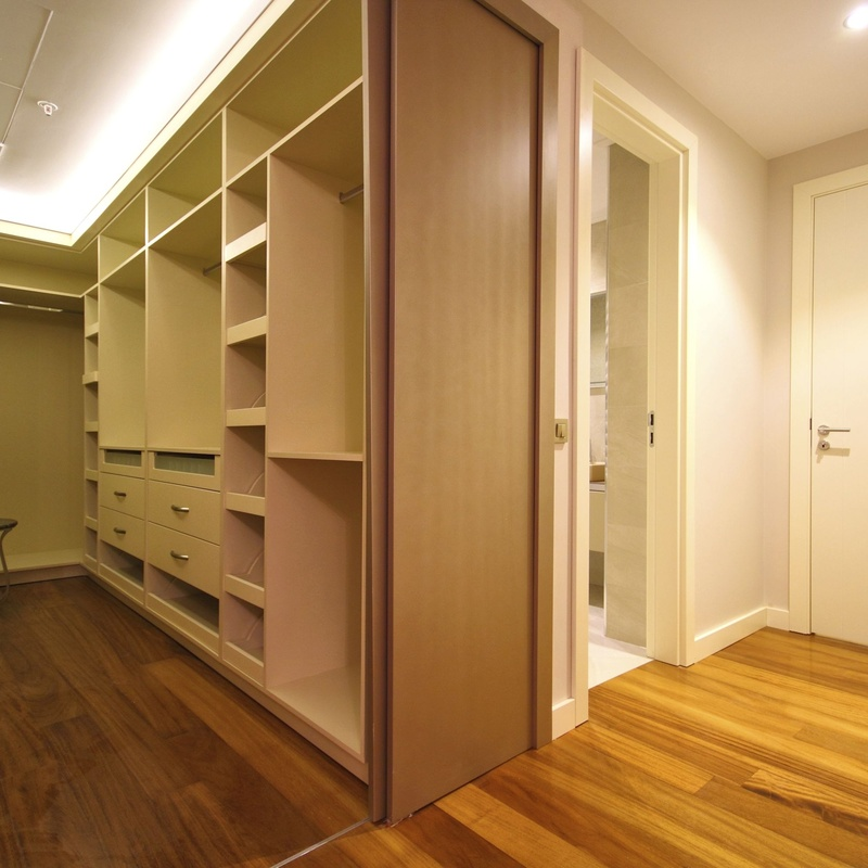 Interiores de armarios: Servicios de Carpintería Juwen, S.L.