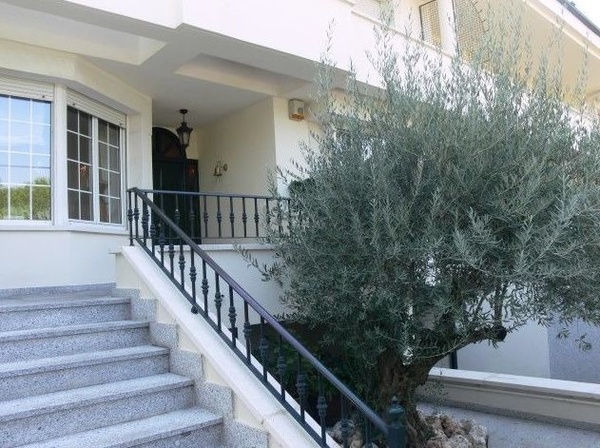 Casa pareada en Parque Conde Orgaz.Ref:00073: Inmuebles de S. P. Internacionales