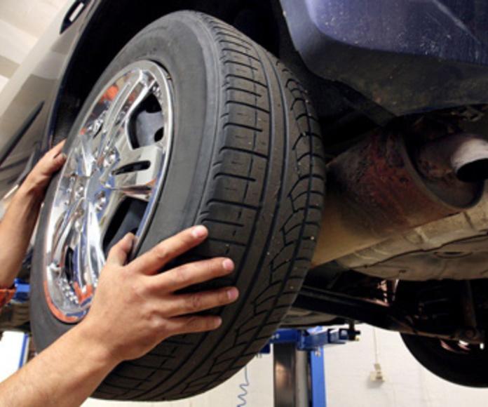 Cambio de neumáticos desde 45 €uros por neumatico: Servicios de reparación  de Automóviles y Talleres Dorado