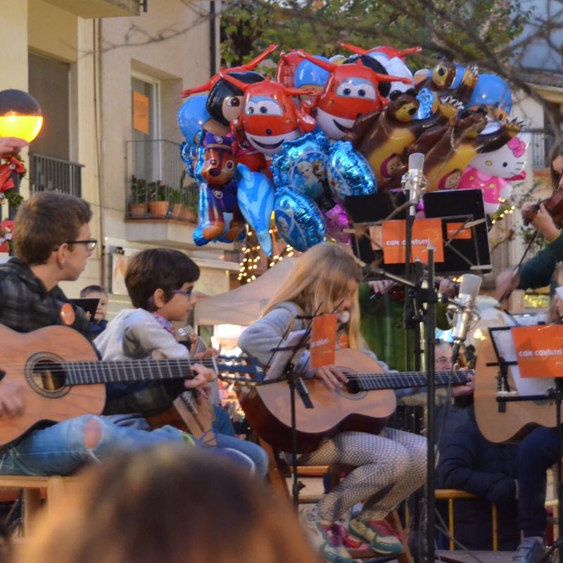 CONCERT EN LA FIRA DE NADAL DE CARDEDEU 2016: Escuela de música i Expresión  de Can Canturri